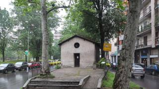 L'oratorio di San Protaso di Lorenteggio � ubicato all'inizio della via, partendo da piazza Bolivar. FOTOGRAMMA